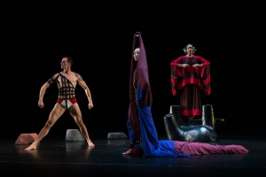 141010_MarthaGrahamCo_CaveoftheHeart_QueensTheatre_Christopher Jones_113