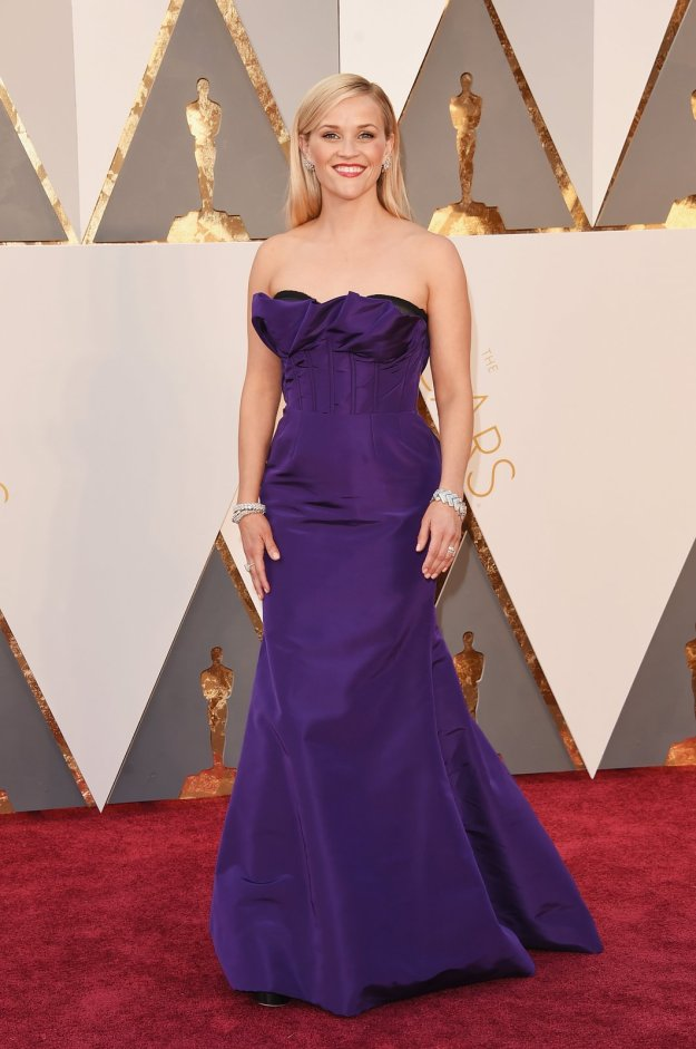 reese-witherspoon-oscars-red-carpet-2016
