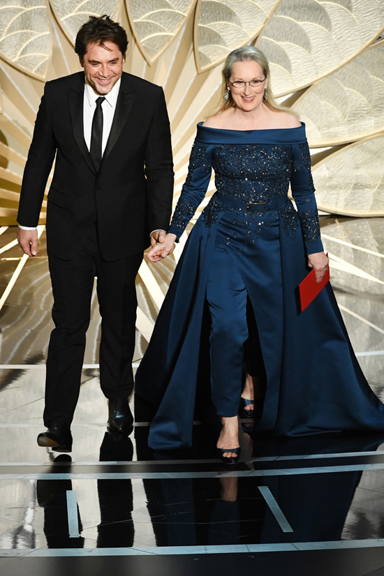Meryl-Streep-Oscars-2017-Red-Carpet-Fashion-Elie-Saab-Couture-Tom-Lorenzo-Site-16